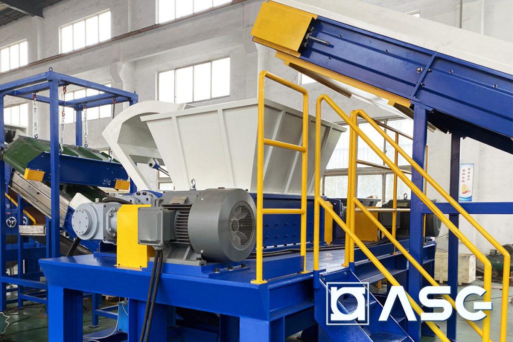 double-shaft plastic shredder machine - front view