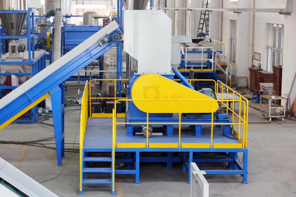 plastic granulator machine with conveyor 02