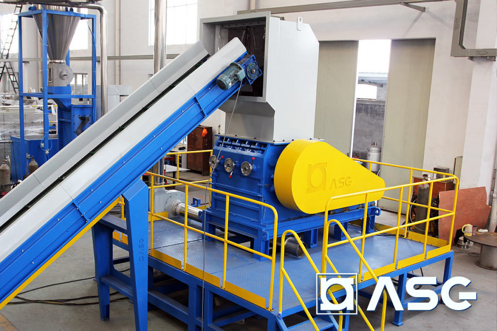 plastic granulator machine front view with conveyor