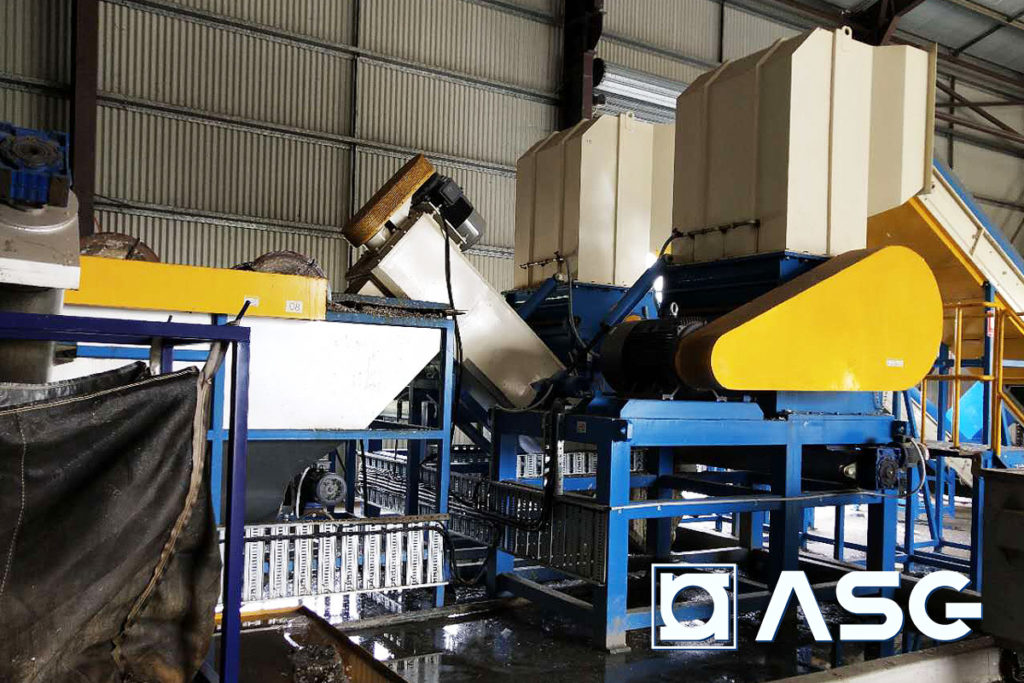 wet plastic granulator machines side view with sink float separation tank